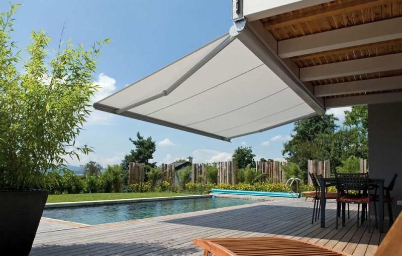 Toldos cofre extensibles madrid brazos articulados tiendas for Toldo terraza atico