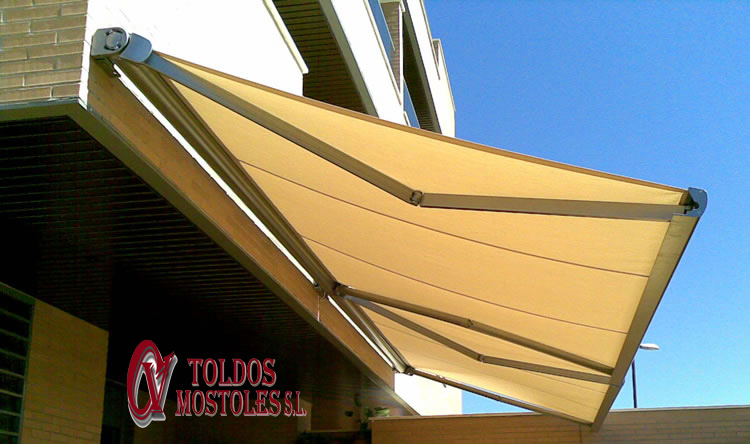 Precio toldo cofre motorizado amazing toldo cofre cerrado for Precio de toldos extensibles